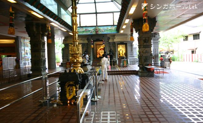 スリ センパガ ヴィナヤガー寺院 礼拝堂